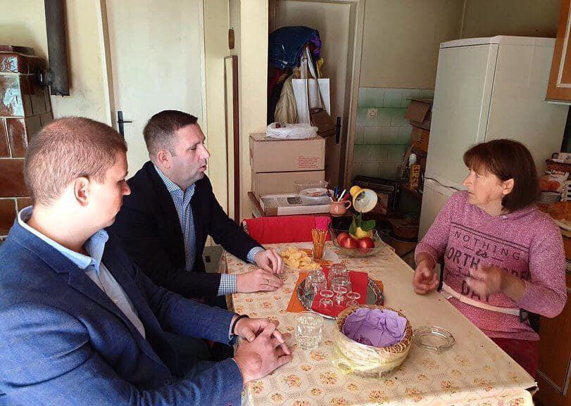 Penzionerki Mariji Ivkov obezbeđen ogrev za zimu