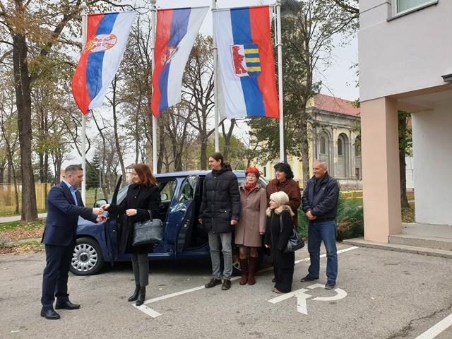 ŽABALJ: Centar za socijalni rad dobio novi automobil