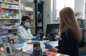 sombor-volonteri1-apoteka-koronavirus-maske-pomoc-starijima
