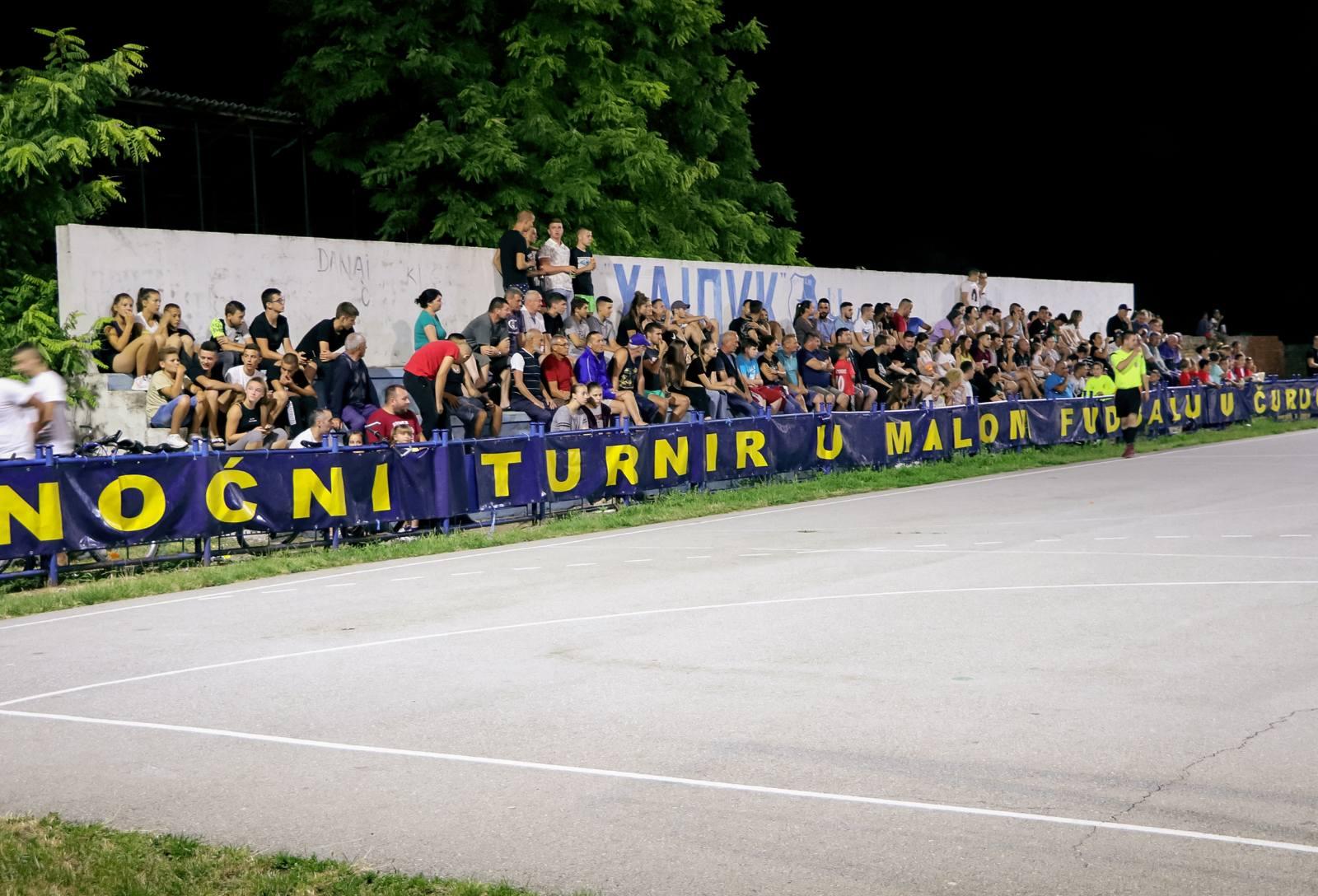ČURUG: Završen večernji turnir u malom fudbalu